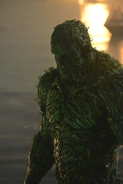 Publican trailer final de 'Swamp Thing' a una semana de su estreno Swamp-Thing-06
