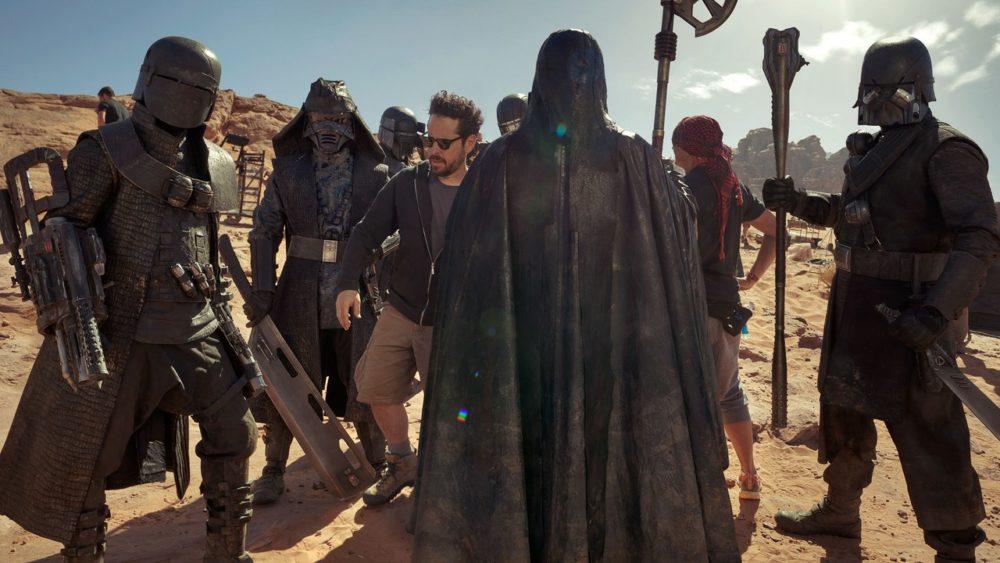 Revista revela nuevas imágenes de 'Star Wars: The Rise of Skywalker' star-wars-feature-vf-2019-summer-embed-15