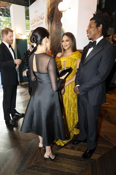 Este consejo le dio Beyoncé a Meghan Markle en la alfombra roja de 'The Lion King' gettyimages-1155576266-594x594