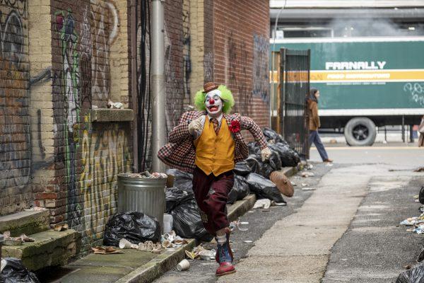Nuevas fotos de 'Joker' revelan si habrá o no cameo de Jack Nicholson joaquin-phoenix-joker-movie-image-600x400