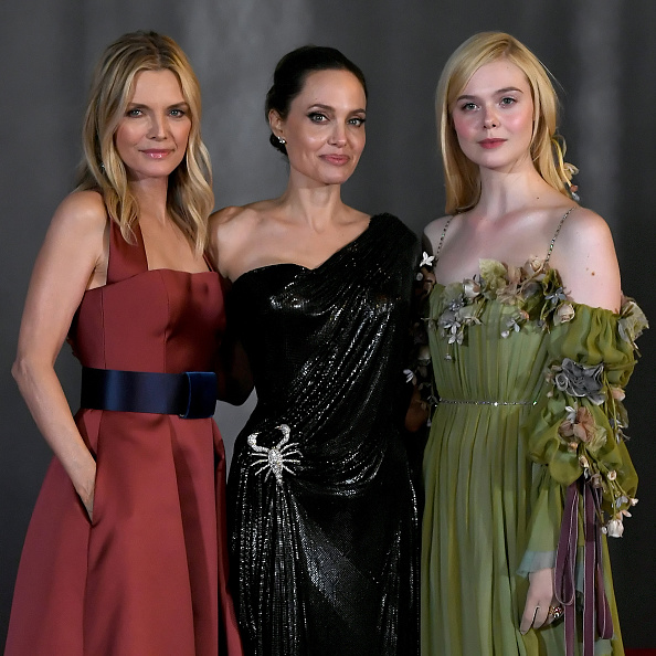 Angelina Jolie deslumbra junto a sus 'pequeños' en el estreno de 'Maléfica'