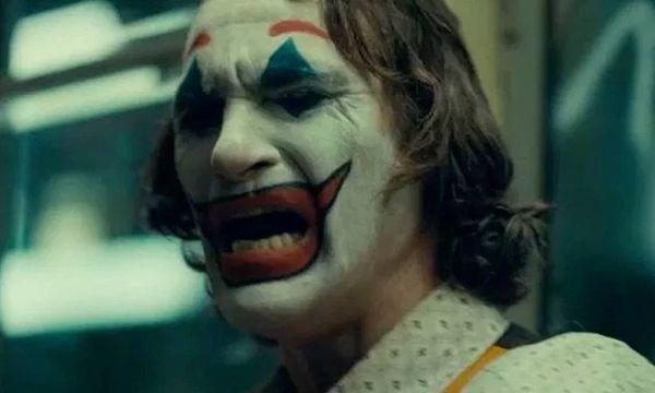 Otra más: Hay una nueva escena eliminada de 'Joker' escena-eliminada-de-joker-600x360