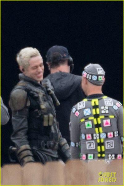 ¿Y Harley? Filtran fotos de los nuevos trajes de 'The Suicide Squad' the-suicide-squad-cast-set-photos-01