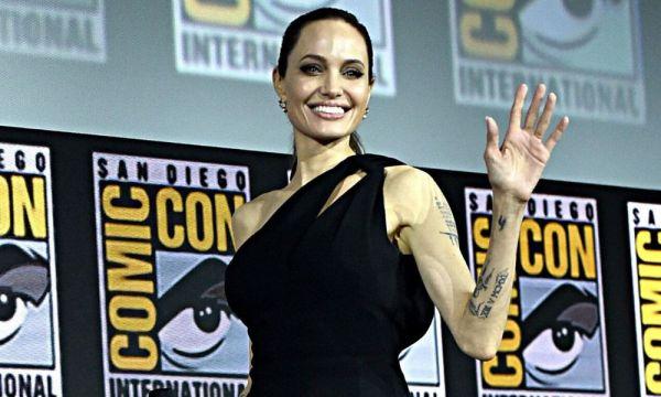 En el set de 'Eternals' habría nacido un nuevo romance entre superhéroes angelina-jolie-coquetea-a-kit-harington-600x360