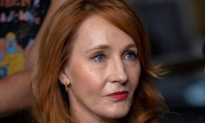 Acusaron a J.K. Rowling por apoyar comentarios discriminatorios