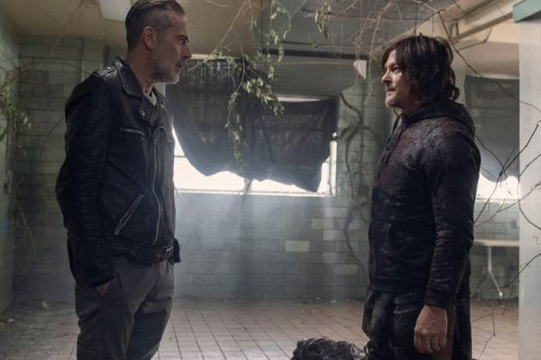 ¡'The Whisperer War' está por terminar! Revelan nuevas imágenes de la temporada 10 de 'The Walking Dead' negan-and-daryl-in-the-walking-dead-season-10-600x400