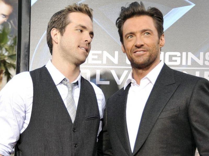 Ryan Reynolds y Hugh Jackman compiten por una buena causa