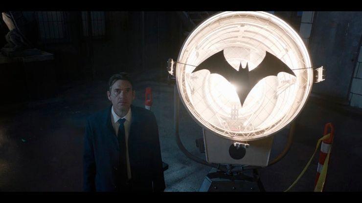 Nuevas fotos muestran como Ryan Wilder usa el traje de Kate Kane en 'Batwoman' batwoman-s2-02