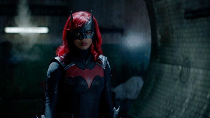 ¡En búsqueda de Kate Kane! Publican nuevas fotos de la segunda temporada de 'Batwoman' batwoman-02x01-7-1251766