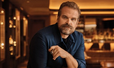 David Harbour se despidió de Frys Electronics