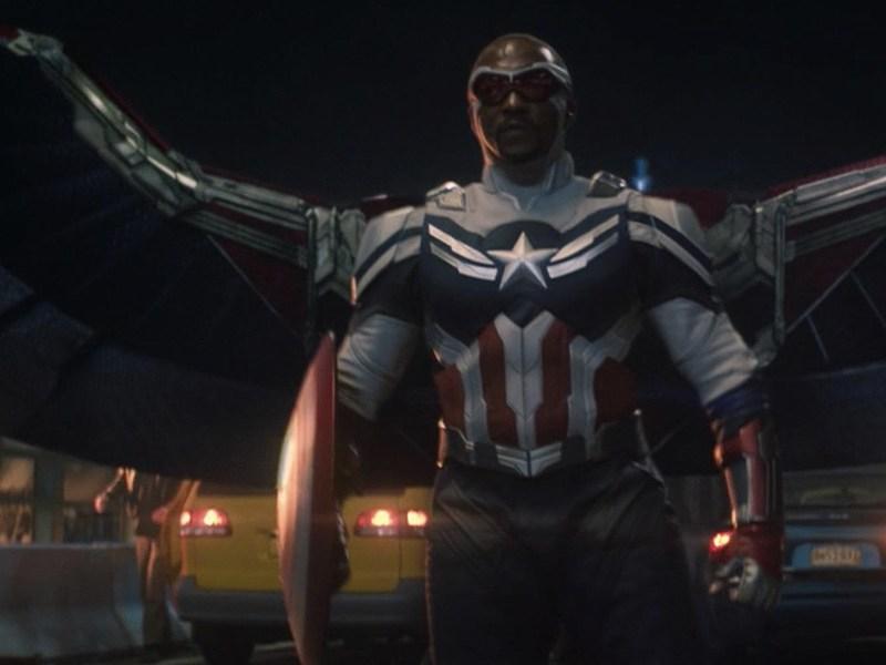 Diferencias del traje de Captain America de Sam
