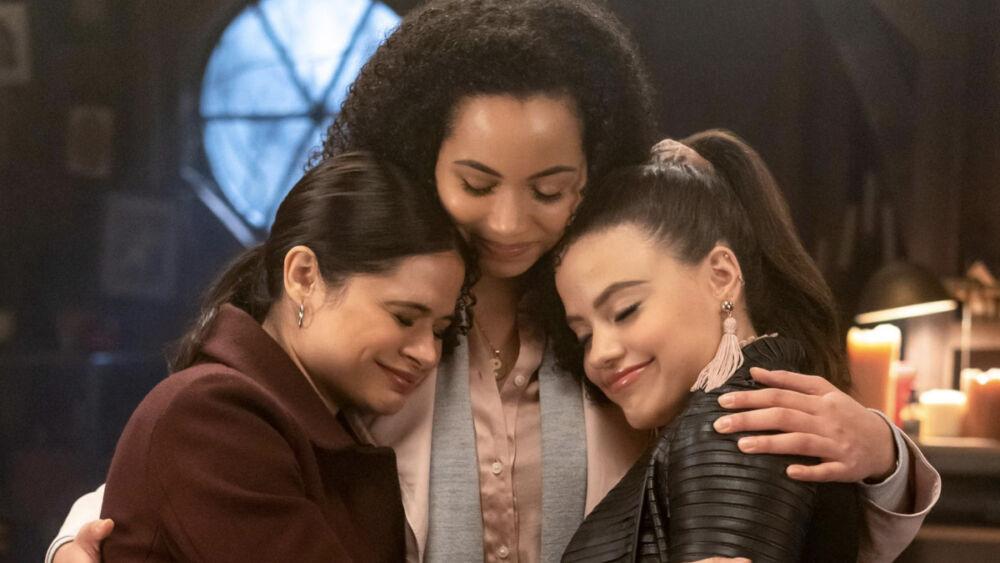 ¿Es una maldición? Estrella de 'Charmed' deja la serie después de tres temporadas