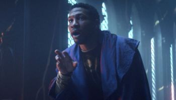 Jonathan Majors dio voz a los Time Keepers