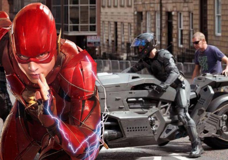 más fotos de la batimoto en The Flash