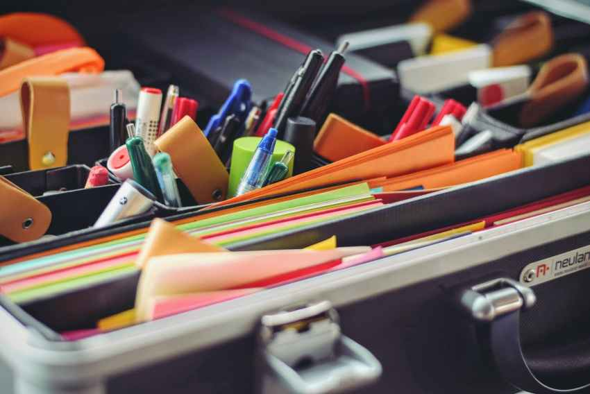 school supplies office pens