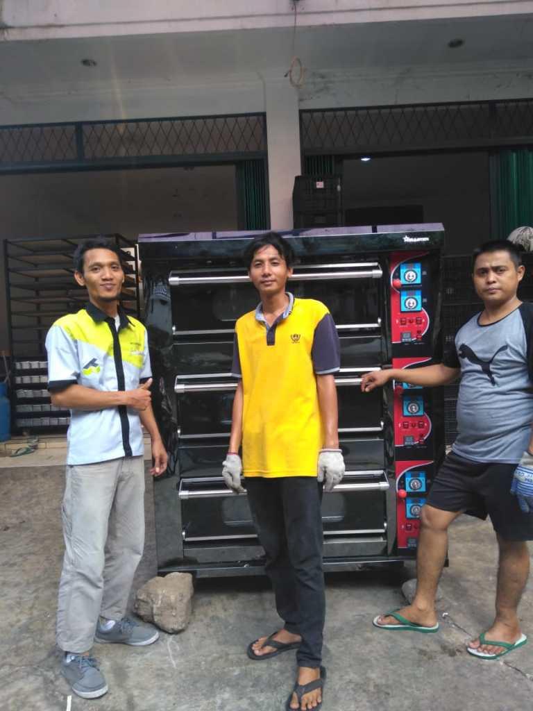 Bapak Andy - Roti Bakar Rawa Lumbu, Bekasi - Oven Gas 3 Deck 6 Tray HTR-60H