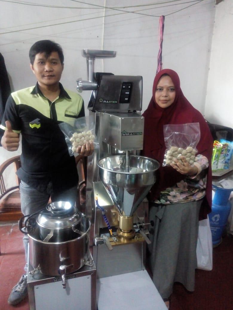 3. Ibu Tina Muthia - Kab. Bandung Selatan - Meatball Machine MBM-300 - Meat Grinder MGD-88X - Meat Mixer MMX-R22 - 7 Juli 2020