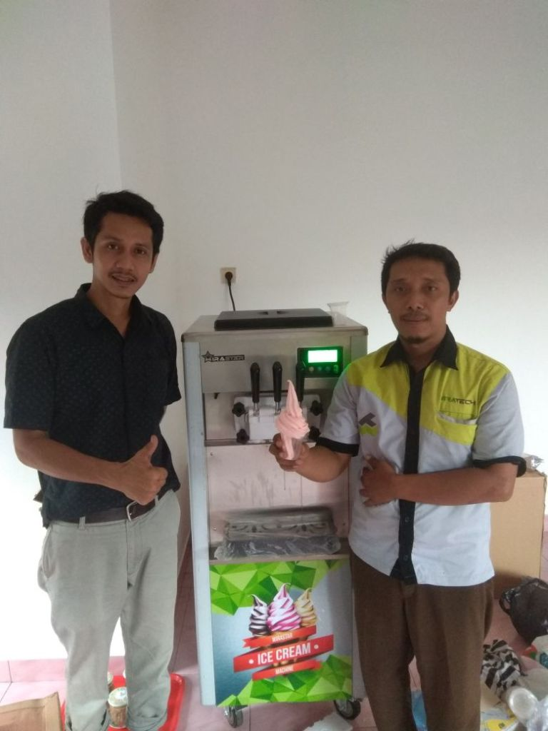 Bpk. Danny, Jakarta, Soft Ice Cream Machine