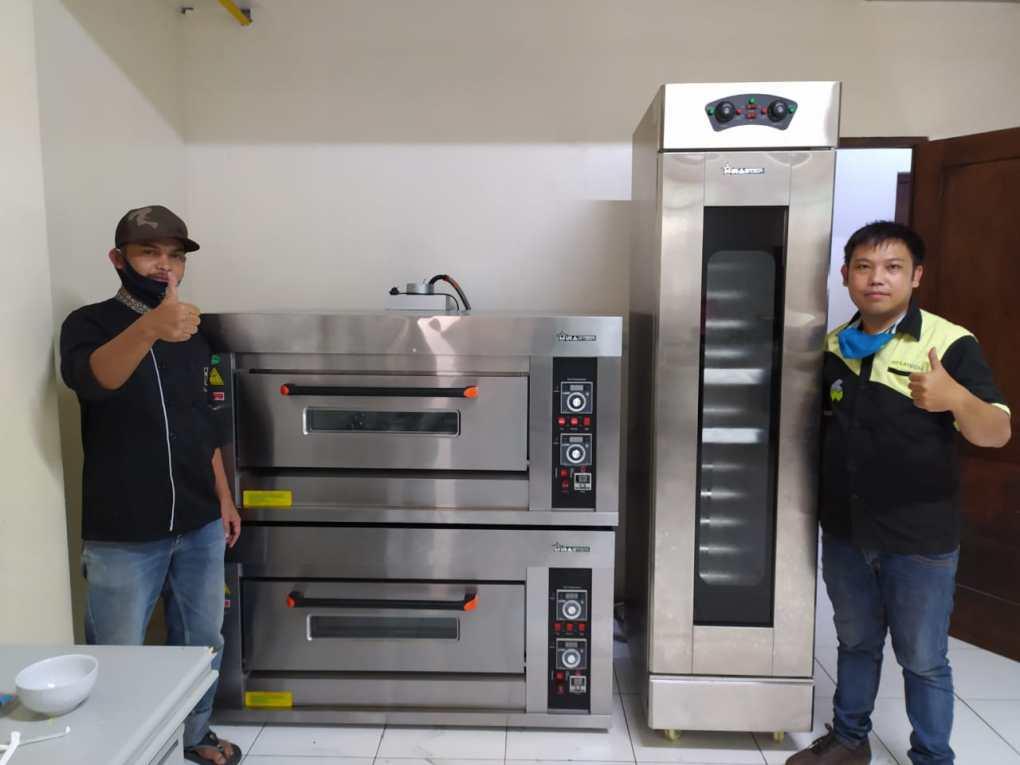 7. Delapan Padi Resto dan Cafe - Bandung - Oven Gas 1 deck 2 Trays 2 unit dan Proofer Roti PRF-16B - 31 Agustus 2020