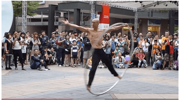 Incredible street performance (and a word about sharing)