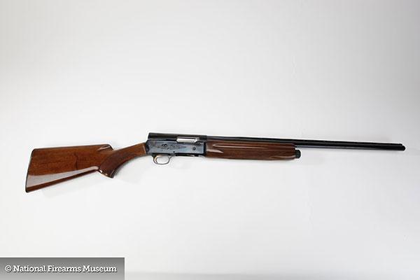 browning_auto_semi_automatic_shotgun