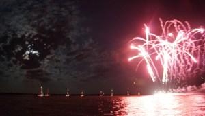 Bootskorso mit Feuerwerk Boddenparty Dranske