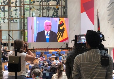 Der Bundespräsident grüßt via Live-Video