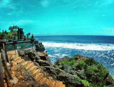 Hasil gambar untuk Pantai Ngobaran