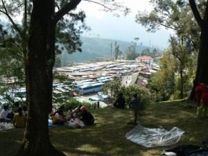 Parkir Mobil Kebun Raya Cibodas dilihat dari atas