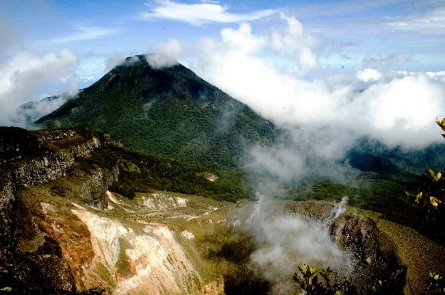 Paket Pendakian & Camping Gunung Gede Pangrango