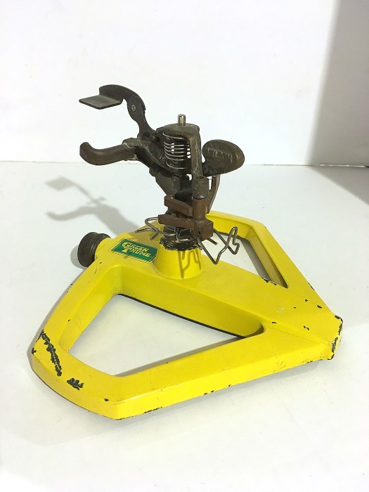 yellow sprinkler for turkey base