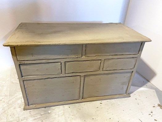 jewelry box makeover after the cement skimcoat has dried