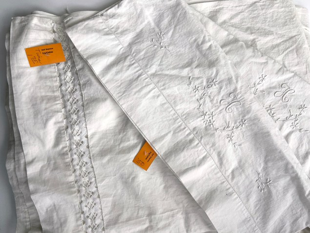 Thrift haul: sheets with lace edge and embroidered pillowcases