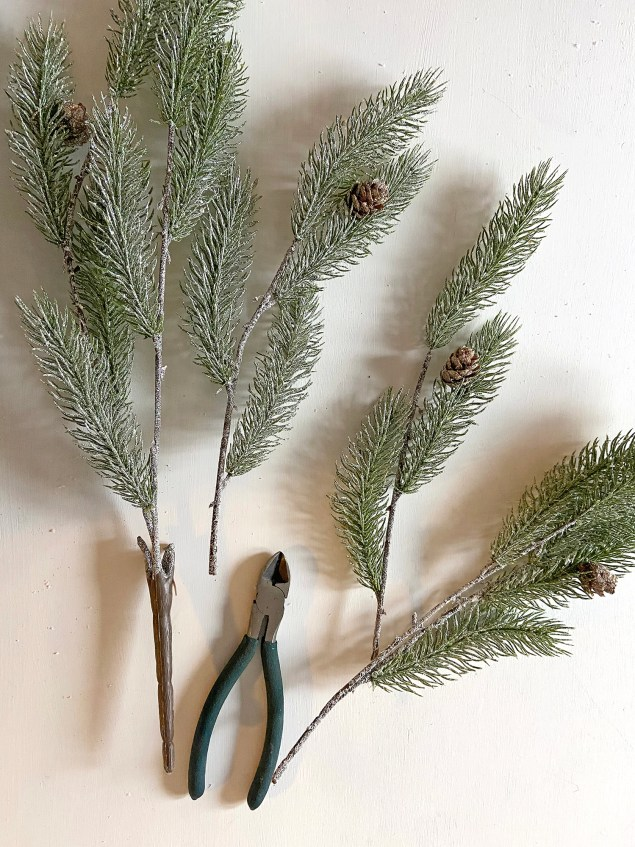 """Bloom Room Holiday Christmas Frosted Glitter Pinecone & Pine Bush 21"""""""
