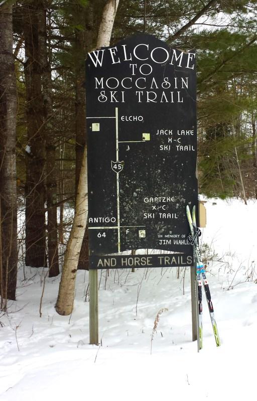 Moccasin Lake Ski Trail Entrance