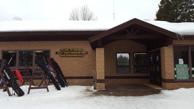 nine-mile-03-ski-lodge