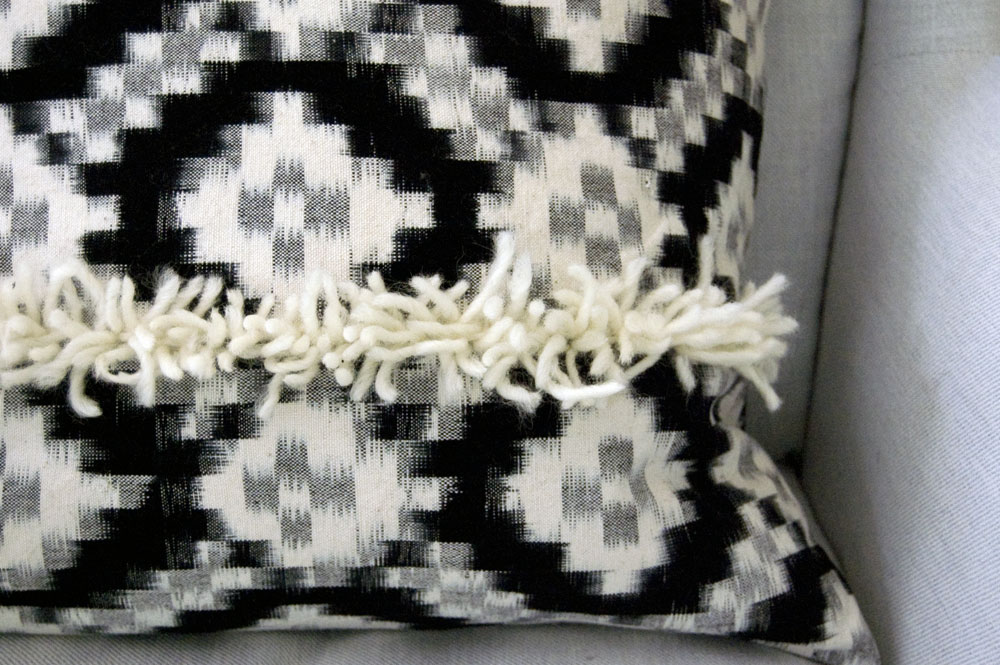 diy-pillow-texture-detail
