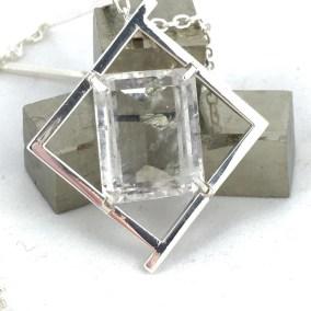 Silver_quartz_pyrite_inclusions