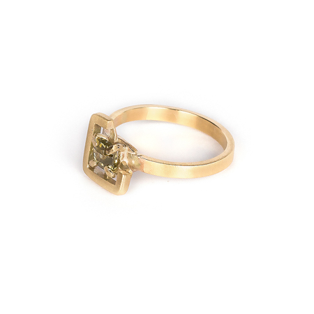 Earth ring yellowish-green zircon in brushed yellow gold side view 1