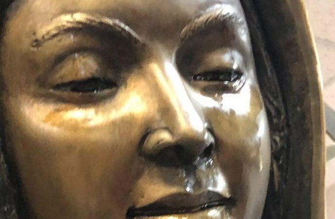 PHOTOS: Worshipers Shocked As Statue Of Virgin Mary WEEPS