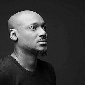 Nigerian Music act, 2face Idibia in black dress