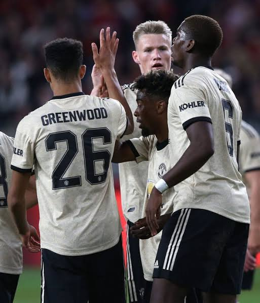 Manchester United vs Perth Glory 2-0 - Highlights & Goals