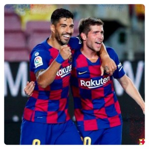 Luis Suarez celebrate his only goal in Barcelona vs Espanyol