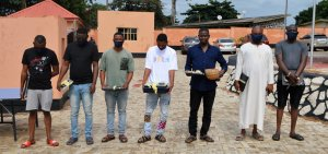 EFCC Arrests Brothers, Three Others For Alleged Internet Fraud In Ibadan (Photos)