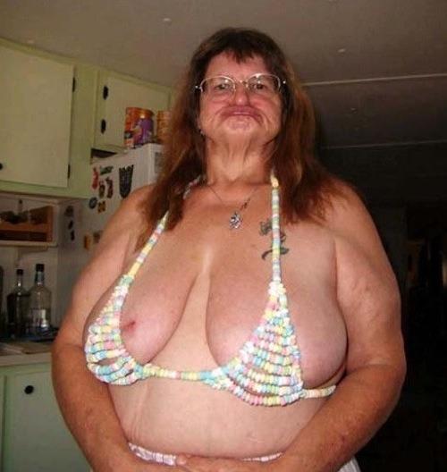Bikini comestible para morir de hambre.