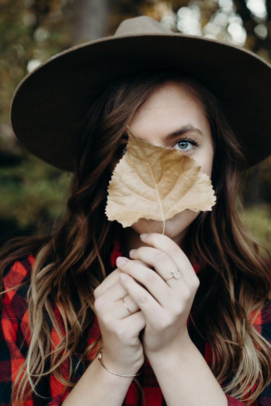 leaf portrait fall influencer