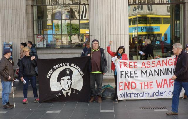 A previous vigil in support of Chelsea Manning at the GPO Dublin