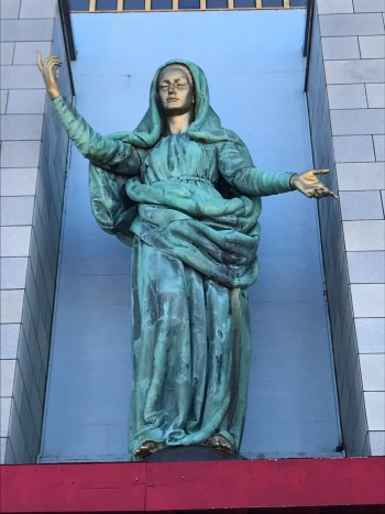 Statue of Our Lady blessing you, to empower you.