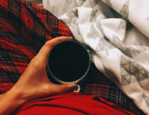 Svařené víno, deka a pyžamo