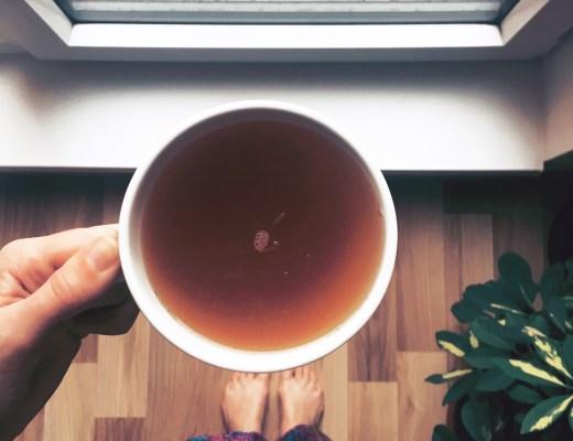 deštivý den a čaj